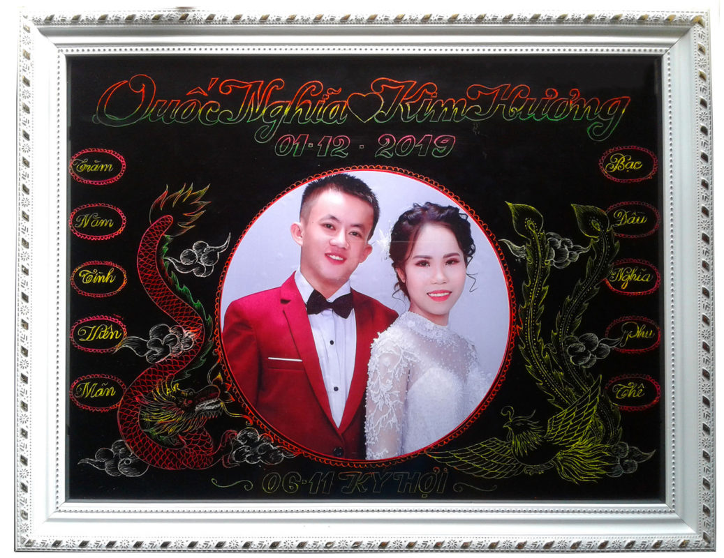 khung tranh ảnh để bàn ngày cưới độc đáo