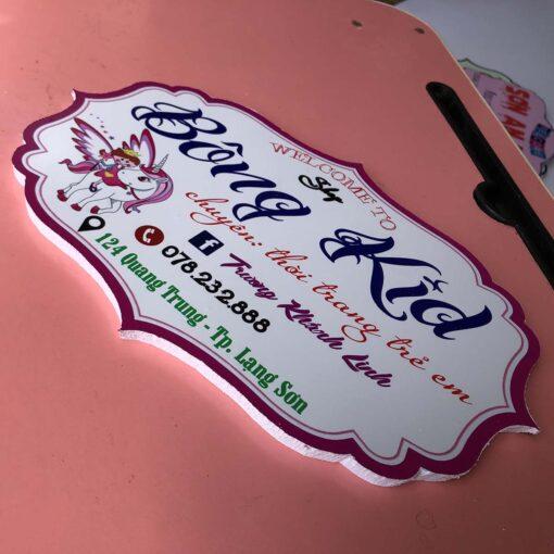 bảng hiệu gỗ trang trí shop